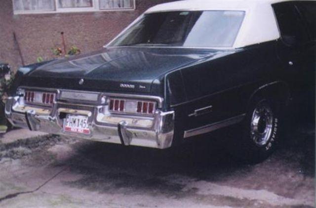 1975 Dodge Royal Monaco,4 puertas