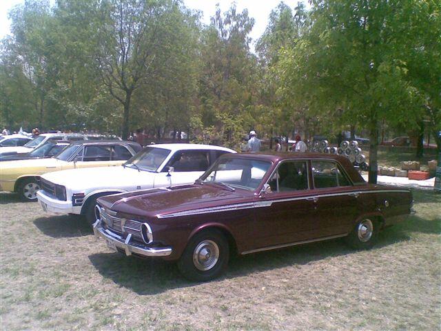 Valiant 1965 (Cuatro puertas)