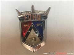 FORD FAIRLANE 1955 A 1956 EMBLEMA DE COFRE COMPLETO
