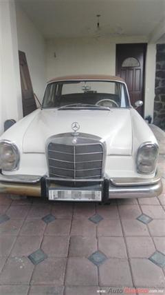 1960 Mercedes Benz 220 s Sedan