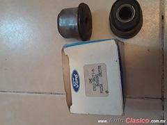 Par Bujes Susp Ford EP5Z-38271-A