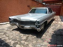 1965 Cadillac Fleetwood 60 Special Sedan