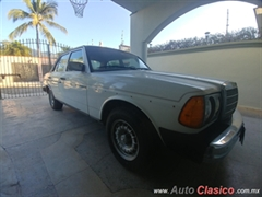 1986 Mercedes Benz 300TD Sedan