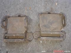 Soportes motor o caja auto pick up antiguo