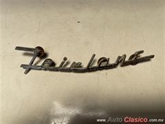 FORD FAIRLANE 1955 A 1956 LETRA DE COFRE CON PINES USADO