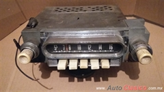 Radio usado , como se ve, para Ford falcon y 200 60-63