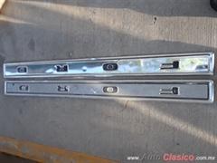 Venta de Molduras usadas de tapa  de batea ford pick up americana 73-79