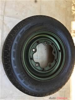 """Rines originales se Volkswagen safari son 5 birlos en 14"""" van con llantas Seminuevas"""