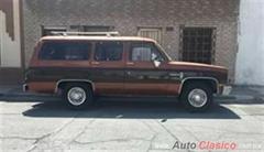 Día Nacional del Auto Antiguo Monterrey 2020 - Chevrolet Suburban CARRY HALL 1983