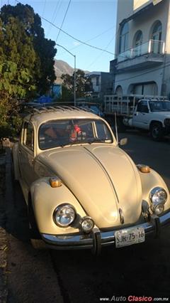 Día Nacional del Auto Antiguo Monterrey 2020 - Wolkswagen Sedan 1975
