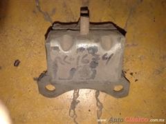 Soporte antiguo motor o caja auto o pick up