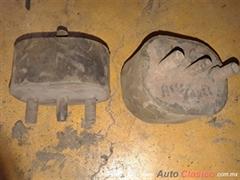Soportes antiguos de motor o caja auto o pick up