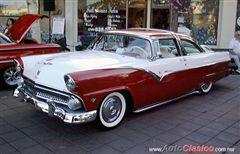 Busco auto, Ford Crow Victoria de 1955, 1956